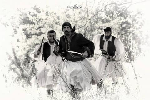 Ο Λεωνίδας Κακούρης, ο Χρήστος Μπάτζιος και ο Κυριάκος Χρυσίδης στα γυρίσματα της «Εξόδου 1826».