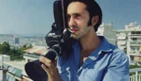 Ο Ρένος Χαραλαμπίδης σκηνοθετώντας το «No Budget Story».