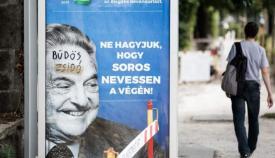 Αφίσα κατά του Σόρος στην Βουδαπέστη. Η αφίσα λέει: 99% είναι κατά της λαθρομετανάστευσης. Μην αφήσεις τον Σόρος να γελάσει τελευταίος.