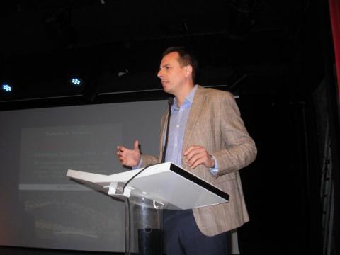 09.10.2016: Ο εκπαιδευτικός Θωμάς Γεώργας ήταν ο πρώτος ομιλητής και συνέβαλε με την μαρτυρία του στο βιβλίο.