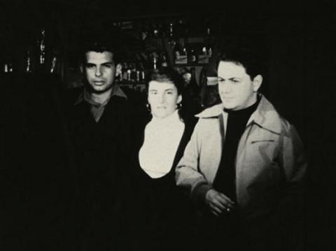 Ο Νίκος Κούνδουρος με την Μαργαρίτα Λυμπεράκη, σεναριογράφο της «Μαγικής Πόλης», και τον Μάνο Χατζηδάκη, που έγραψε την μουσική.