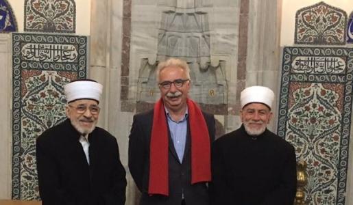 Ο Κώστας Γαβρόγλου με τους μουφτήδες της Κομοτηνής Μέτσο Τζεμαλή (αριστερά) και Ξάνθης Εμίν Σινίκογλου (δεξιά).